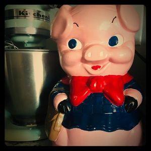 Vtg. 1967 Alberta's molds savings bank, Piggy Bank
